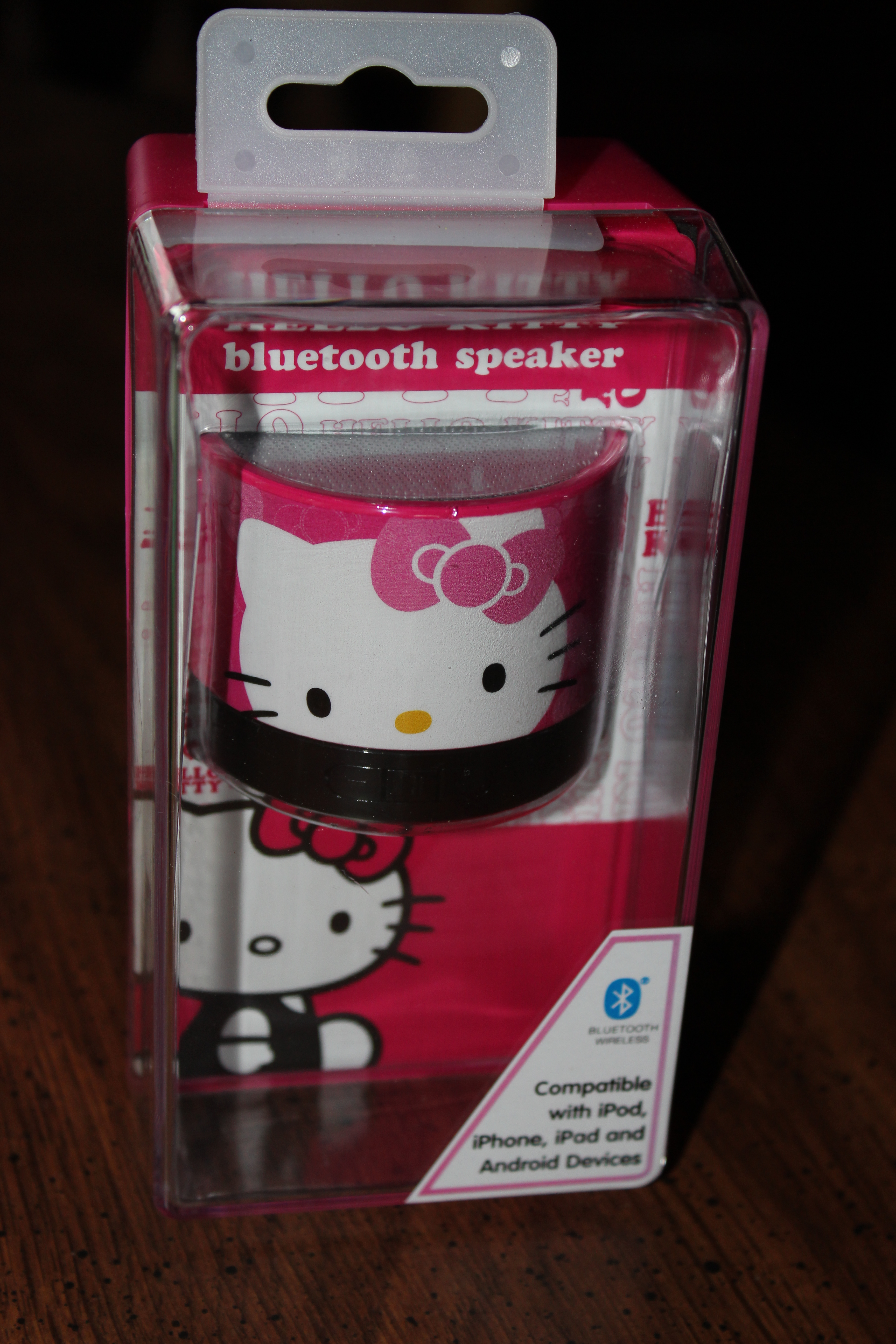 hello kitty bluetooth speaker review central minnesota mom. Black Bedroom Furniture Sets. Home Design Ideas